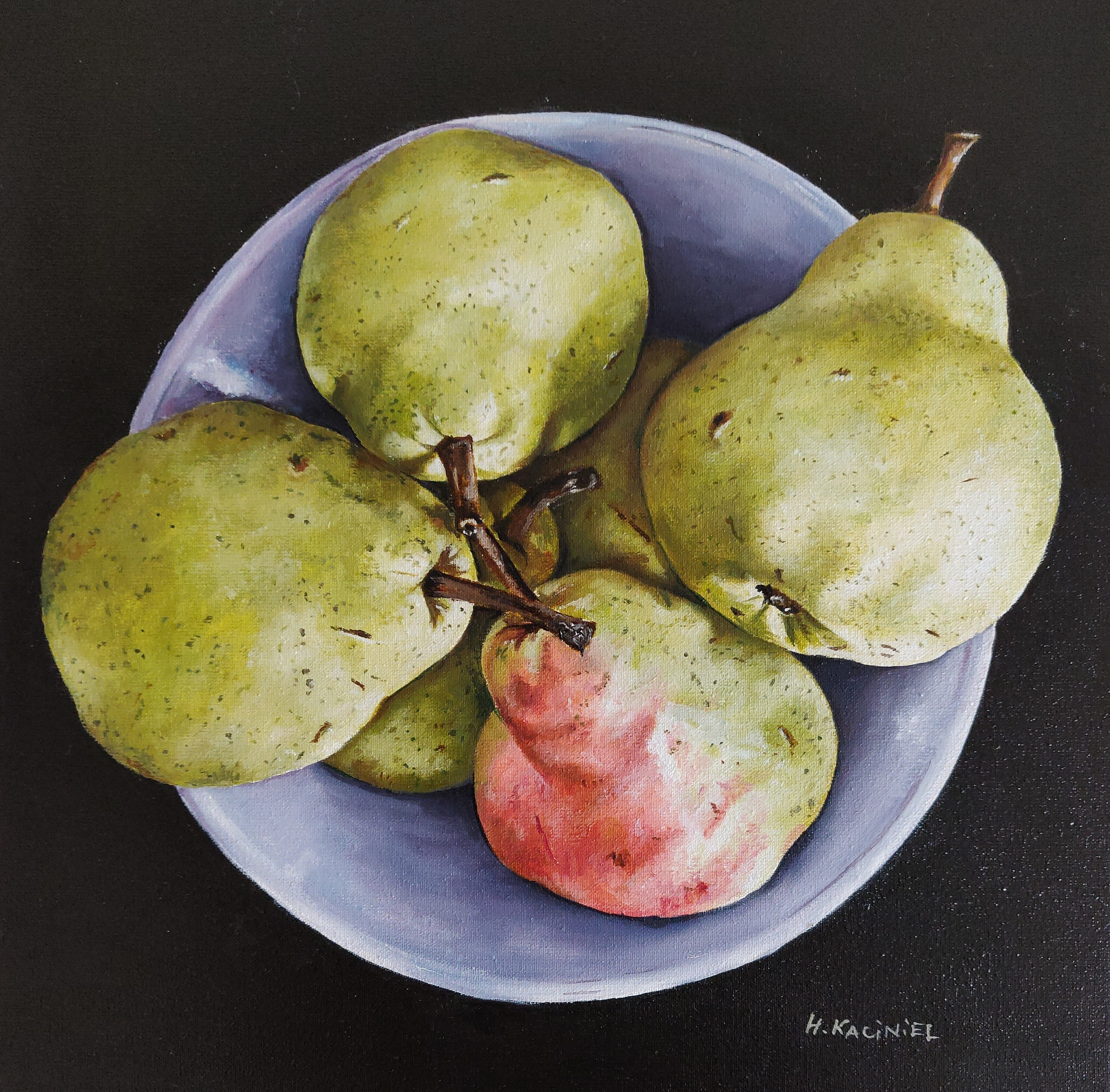 A bowl of Pears
