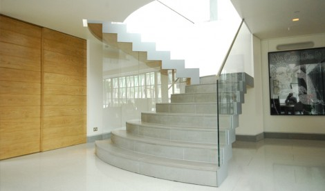 Feature Curve Staircase