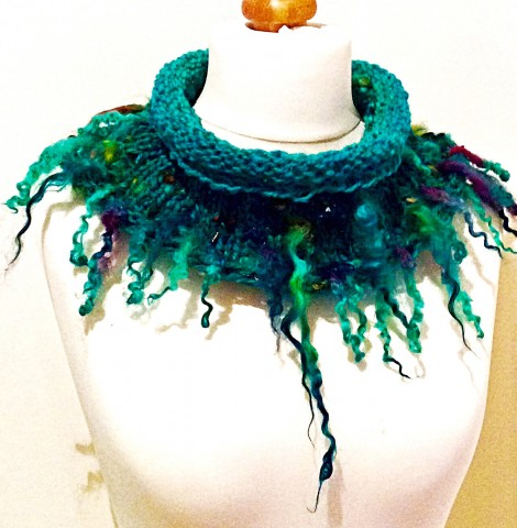Hand spun collar with Wensleydale fringe